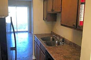Kitchen, 107 Jennifer Ln, 1