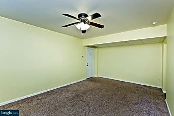 Living Room, 1813 Key Blvd 10535, 2