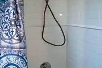 Bathroom, 1264 N Clybourn Ave, 2