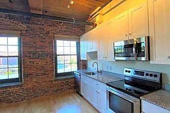Kitchen, 100 Main St, 0