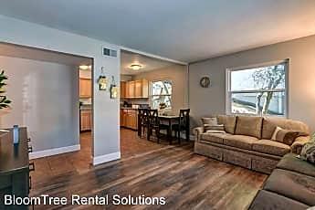 Living Room, 407 Hill Ave, 1
