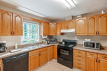 Kitchen, Room for Rent -  a 7 minute walk to bus 114 and 86, 0