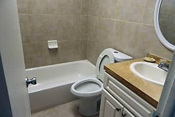 Bathroom, 482 SW 9th St, 0