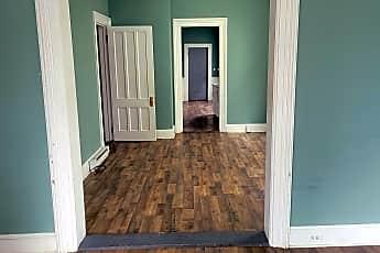 Living Room, 594 Garden St, 1
