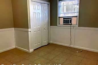 Bathroom, 3103 Inland St, 2