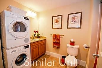 Bathroom, 195 McGregor St 107, 0