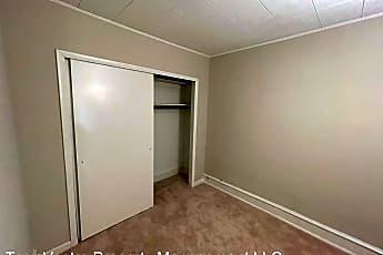 Bedroom, 456 N Broadway, 2