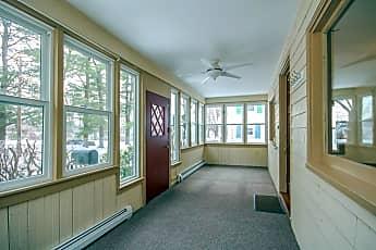 Building, 142 Massachusetts Ave, 1