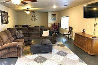 Living Room, 1289 Verano Dr, 0