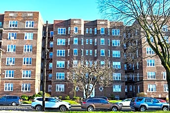 Building, 610 Victory Blvd 3F, 0