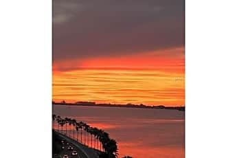 11 Sunset Dr 706, 2