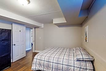Bedroom, Room for Rent -  a 8 minute walk to bus stop Tara, 2