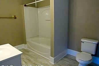Bathroom, 1138 Philadelphia St, 2