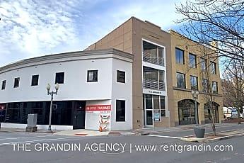 Building, 11 S Jefferson St, 1