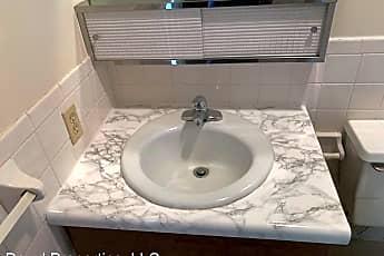 Bathroom, 605 Bradley Dr, 2
