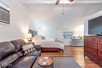 Living Room, 1321 E Hillcrest Dr, 2