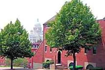 Moshassuck Square, 0