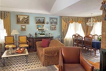 Living Room, 55 Ridge Dr E, 0