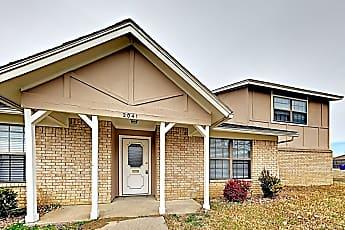 Building, 2041 Oakbluff Cir, 0