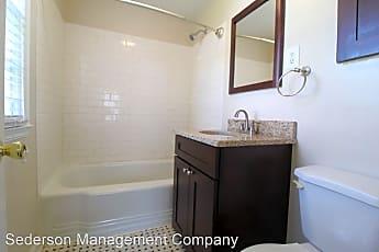 Bathroom, 316 E 27th Ave, 2