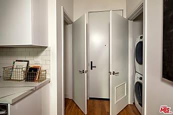 Kitchen, 269 S Mariposa Ave 619, 2