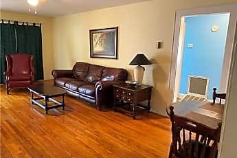 Living Room, 213 Glenwood Dr, 0