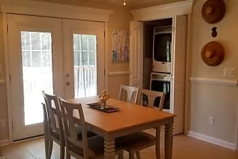 Dining Room, 918 Forest Loop Road, 1