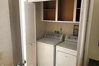Kitchen, 102 Devonwood, 2