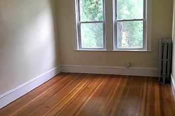 Living Room, 162 S Pleasant St, 1