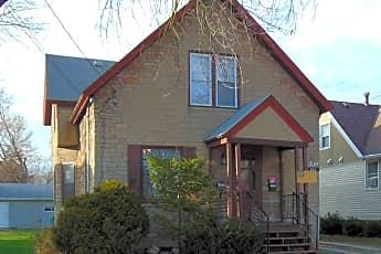 Building, 144 Oak St, 0