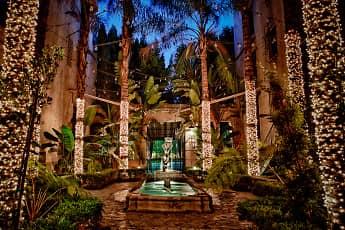 Courtyard, Los Altos, 0