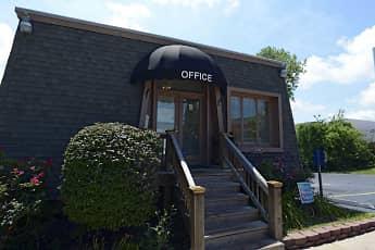 Leasing Office, Evergreen Manor, 1