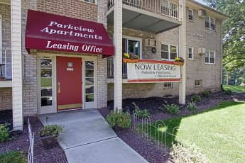 Leasing Office, Parkview, 1