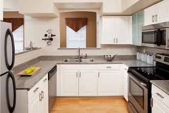 Kitchen, Brandywine Woods Apartments, 0