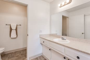 Bathroom, Alderwood, 2