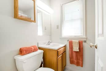 Bathroom, Beacon Point Homes, 2