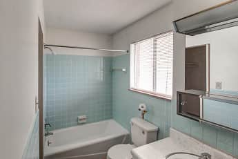 Bathroom, Imperial Terrace Apartments, 2