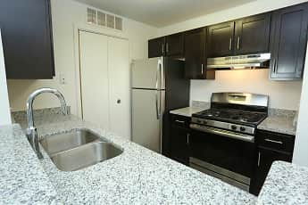 Kitchen, Willow Ridge Apartments, 0