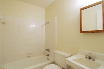 Bathroom, Colony House, 2