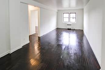 Living Room, Fairbridge Commons, 2