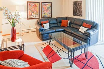 Living Room, The Willows Apartments, 0