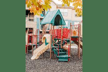 Playground, Hunters Pointe, 2
