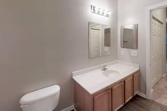 Bathroom, Linden at Martinsburg, 2