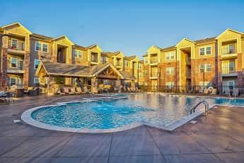 Pool, DREAM Aspen Creek, 0