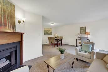 Living Room, Cool Creek Manor Apartments, 1