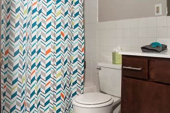 Bathroom, Hamline Pointe, 2
