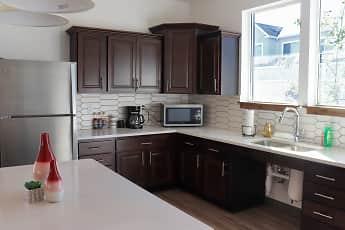 Kitchen, Season on Skyline, 1