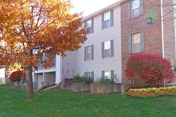 Landscaping, Wilmington Court Apartments, 0