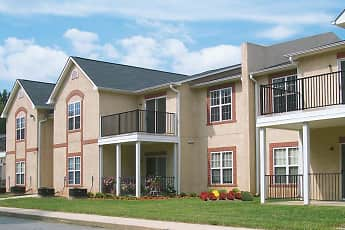 Building, Crown Point at Kingsport Drive, 0