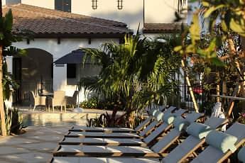 Azola West Palm, 1